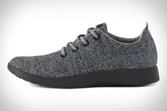 Designed to be worn with or without socks, Allbirds Wool Runners use a unique upper to deliver all-day comfort. The dual-faced upper is made in an Italian mill from New Zealand-sourced merino wool, with an exterior that can take some...