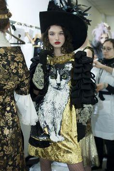 Dolce & Gabbana - Alte Artigianalità Spring/Summer 2017 Couture Backstage | British Vogue