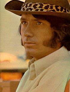 Love this photo Gaucho, Cowgirls, Michael Nesmith, Can I Please, Davy Jones, The Monkees, Well Dressed, Music Artists, Panama Hat