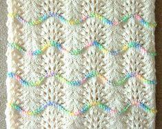 NEW Handmade CREAM Knit Crochet BABY Afghan Blanket Throw Newborn Infant Wave Trim Antique White NEUE handgemachte Creme stricken häkeln BABY afghanischen Decke werfen Neugeborenen Wave Trim Antikweiß Crochet Afghans, Baby Afghans, Afghan Crochet Patterns, Baby Knitting Patterns, Free Knitting, Knit Crochet, Knitted Baby Blankets, Baby Blanket Crochet, Crochet Phone Cases