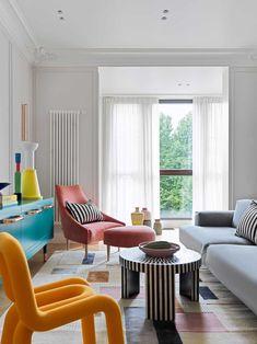 Accente vesele de culoare și decor jucăuș într-un apartament din Moscova