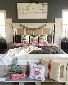 99 minimalist farmhouse christmas bedroom decoration ideas b Farmhouse Christmas Decor, Country Farmhouse Decor, Cozy Christmas, Christmas Ideas, Christmas Decorations, Christmas 2019, Holiday Ideas, Red Farmhouse, Elegant Christmas