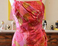 Vintage 1950s Hawaiian sarong style floral swimsuit by Paradise Hawaii 38B 32W 40H