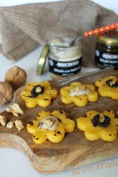 Crostini di polenta, tartufo e noci