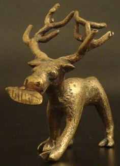 Asante/Ashanti Bronze Figure/Gold Weight// mira la ails!!!! @Ilse Lucio :D