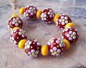 Pink periwinkle. Floral Handmade Lampwork Beads (2 pcs). Red Pink Yellow - Natalia Korolyuk