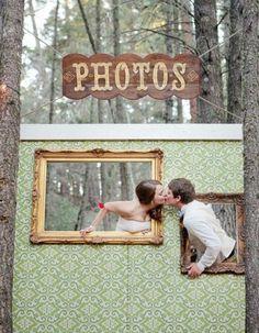 Photobooth cadre - Photobooth : 20 idées déco pour prendre la pose avec ou sans les mariés - Elle