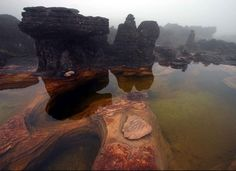 Pools of Mount Roraima, Venezuela. The natural rock formations on the top of Moun Roraima which serves as natural swimming pools. Monte Roraima, Natural Swimming Pools, Natural Pools, Tourist Places, I Want To Travel, National Geographic, Beautiful World, Places To See, National Parks