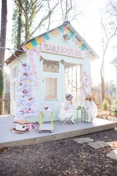 a gingerbread playhouse #kidsoutdoorplayhouse
