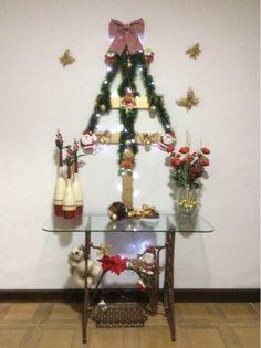 árvore de Natal com ripas de madeira