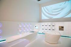 Zaha Hadid for Ernestomeda_Z-Island kitchen_2006 (boiserie per pannelli di copertura, controllo in touch di luce,audio,LED,membrane riscaldanti)