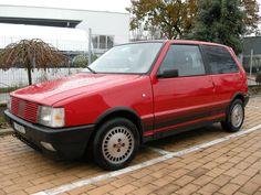 La mia vecchia nel mio piazzale fiat uno turbo ie Fiat Cars, Fiat Abarth, Chopper Motorcycle, Retro Cars, Motorbikes, Old School, Super Cars, Classic Cars, Vintage
