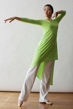 27aaba33e4e3c Resultado de imagen para berit worship dancewear. Patricia · Danza · Fire  Red Orange Gold Satin Praise Worship Church Dance ...