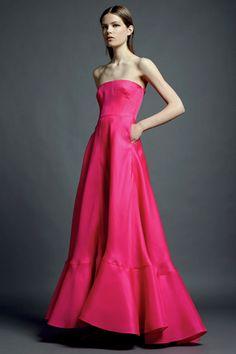 si Maria Antonietta viviera en esta época,este vestido seria perfecto para ella... ♥