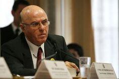 Foto: Beto Barata/AE https://www.blogdovilla.com.br/politica-no-brasil/no-brasil-e-preso-quem-ja-esta-preso/