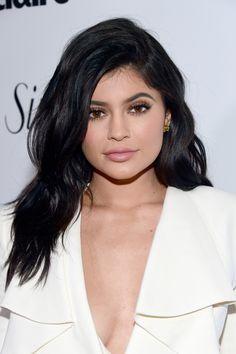 Twitter Reacts To The Kylie Cosmetics Eye Makeup Rumors, And The...: Twitter Reacts To The Kylie… #TomHolland #KylieCosmetics #Zendaya