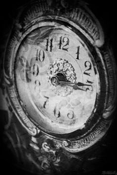 "gothdollysedits: "" ★•*´¨`*•.¸¸.•*´¨`*•.dripping out of Time.•*´¨`*•.¸¸.•*´¨`*•★ """