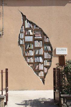 Façade de la bibliothèque de Monzuno, Bologna, Italie