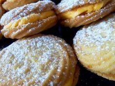 Βιενεζικα μπισκότα με γέμιση κρέμα πορτοκαλιού..! Πολύ πολύ νόστιμα! - Daddy-Cool.gr Greek Sweets, Greek Desserts, Greek Recipes, Party Desserts, Cookbook Recipes, Cookie Recipes, Dessert Recipes, Sweets Cake, Cupcake Cakes
