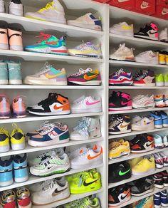 Jordan Shoes Girls, Girls Shoes, Souliers Nike, Zapatos Nike Air, Nike Shoes Air Force, Cute Sneakers, Colorful Sneakers, Sneakers Nike, Aesthetic Shoes