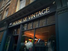 House of Vintage Hand painted and gilded by NGS London font