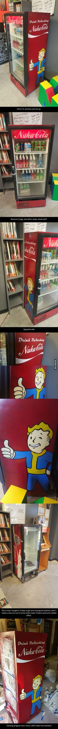 This guy bought a beat up Coke cooler and made it a beat up Fallout cooler.