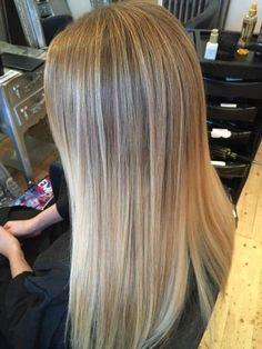 Natural blonde to blonde ombré / balayage