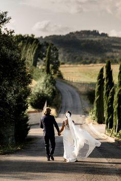 alfresco wedding in tuscany