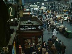 Waterloo Station. 1966 Vintage London, Old London, Waterloo Station, Scotland History, Old Train Station, East End London, London Landmarks, London History, London Photos