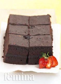 Femina.co.id: BROWNIES KUKUS #resep Brownie Recipes, Cake Recipes, Quiche Recipes, Chocolates, Bolu Cake, Brownies Kukus, Resep Cake, Steam Recipes, Steamed Cake