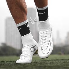 White Superfly 5 von @ Bild des Tages Bild des Tages - Funny Tutorial and Ideas Nike Football Boots, Nike Soccer Shoes, Nike Cleats, Soccer Outfits, Soccer Boots, Best Soccer Cleats, Girls Soccer Cleats, Soccer Gear, Soccer Equipment