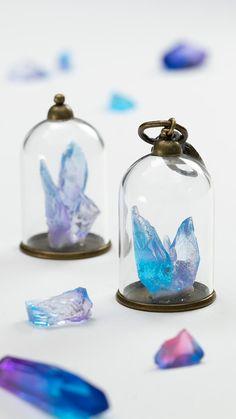 鉱石標本を参考に、代用品で工夫して再現しちゃいます!キーホルダーにしてもインテリアにしても可愛くなります♪ Bottle Charms, Resin Charms, Desenhos Love, Hobbies To Try, Fantasy Jewelry, Polymer Clay Crafts, Wire Art, Diy And Crafts, Best Gifts