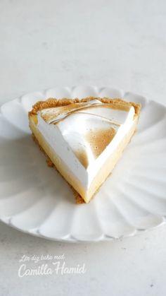 camillahamid on Instagram: Citronmarängpaj 😍 Vet att den här videon går snabbt men jag har bara 30 sekunder på mig att visa 😬 Trycker du på länken i min profil… Cheesecake, Disney, Desserts, Food, Tailgate Desserts, Deserts, Cheese Pies, Cheesecakes, Meals