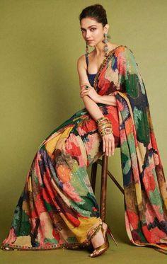 Mode Bollywood, Bollywood Saree, Bollywood Fashion, Indian Bollywood, Deepika In Saree, Saree Fashion, Indian Beauty Saree, Indian Sarees, Sabyasachi Sarees