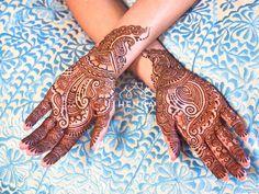 """Fast cheap good - pick two"". Just sayin'... Book now for California and Mexico weddings! hennaloungesf@gmail.com 1 (415) 215 6901 Web: www.hennalounge.com Henna Supplies: www.hennaguru.com  Darcy Vasudev/Henna Lounge. Repost with permission only. #hennaonfleek #henna #mehndi #desiwedding #gorimehndiwali #oakland #bayareahenna #hennaloungemexico #bridalhenna  #sfhenna  #mehndimexico #mexicohenna #mehndirivieramaya #organichennamexico #beachhenna #tulumhenna #mehndiartist #hennainspire…"