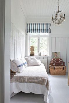 simple white farmhouse bedroom