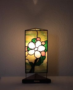 """Our stained glass tiffany style table lamp: """"Apple Flower"""" www.mana-glaskunst.de"""