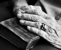 Beautiful hands and bible...wish I had a picture of my Moms hands around her Bible❤️