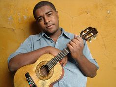 """Celebrando a cena musical contemporânea de Minas Gerais, o """"Programa Música Minas 2011"""" apresenta um espetáculo de Warley Henrique, nesta quinta-feira, 8 de dezembro, às 19h30, no Espaço Minas Gerais."""