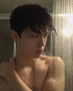 Discover recipes, home ideas, style inspiration and other ideas to try. Korean Girl Ulzzang, Couple Ulzzang, Cute Asian Guys, Asian Boys, Cute Guys, Korean Boys Hot, Korean Men, Beautiful Boys, Pretty Boys