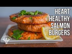 Quick & Easy Heart Healthy Salmon Burgers Low Carbs, Meal Prep, Seafood, Sweets & Snacks, Video Fit Men Cook Built in the Kitchen; Sculpted in the Gym. Healthy Salmon Burgers, Grilled Salmon Recipes, Healthy Grilling, Healthy Cooking, Healthy Eating, Healthy Foods, Healthy Man, Heart Healthy Recipes, Yummy Recipes