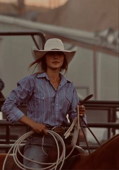 Cute Cowgirl Outfits, Western Outfits Women, Country Style Outfits, Southern Outfits, Rodeo Outfits, Country Girl Style, Cute N Country, Cowgirl Style, Cute Outfits