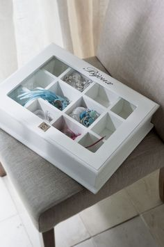 a glass top box for jewellery please