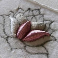 Lotos #submarina707 #embroideryart #embroideryprocess #workprocess #embroidery #goldwork #lotos #brooch #stuffing #goldworkembroidery #3d #вышивка #лотос #брошь