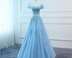 2019 Prom Dresses Long Blue Evening Dresses Foral Tulle Dress Women Formal Party Gown Fashionable Bride Gown Corset Back Quality Custom Made Cute Prom Dresses, Ball Dresses, Pretty Dresses, Beautiful Dresses, Ball Gowns, Bridesmaid Dresses, Formal Dresses, Dress Prom, Slip Dresses