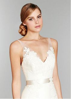 Charming Tulle & Satin Trumpet V-neck Neckline Wedding Dress With Lace appliques