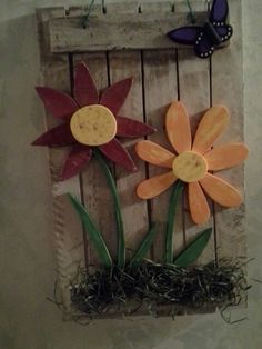 Spring flowers made with scrap and palletvwood