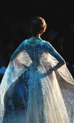 glam and gorgeous.in the moonlight in one of my many shimmering, flowing gowns. Elie Saab Fall, Anastasia, Glamour, Beautiful Gowns, Dream Dress, Fashion Details, Couture Fashion, Dress Up, Angel Dress