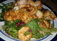 Asian Ginger chopped #salad with lemon pepper shrimp  #foodie #foodblogger #foodvlogger #vlogger #PTCares #food #foodporn #salads