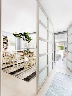 It was love at first sight for the new homeowners of this bright and airy detached cosmopolitan villa located in a northern suburb of Madrid, Spain. Bedroom Divider, Living Room Divider, Madrid, Home Pictures, Apartment Design, Interior Design Inspiration, Living Spaces, Sweet Home, New Homes
